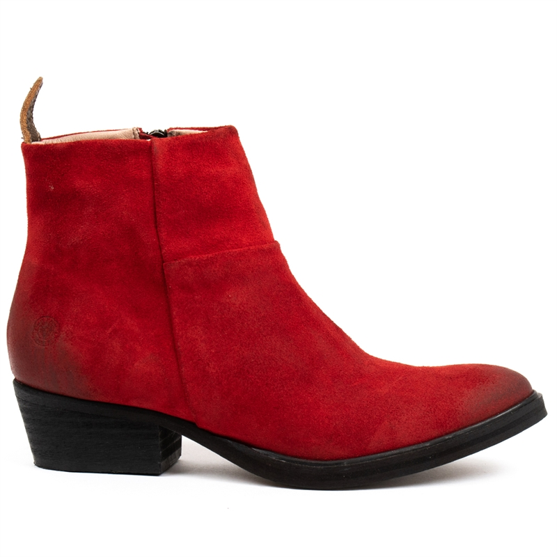Dashed-heels-boots-suede-red-side