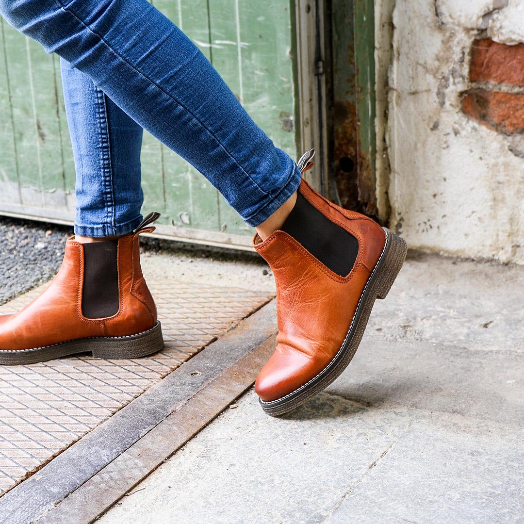 Tanner-winter-furr-chelsea-leather-boots-cognac-image-1