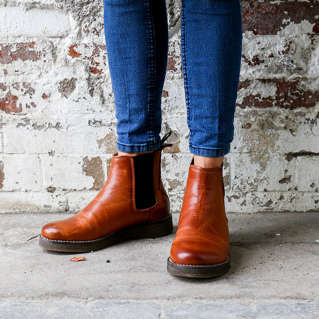 Tanner-winter-furr-chelsea-leather-boots-cognac-image-2