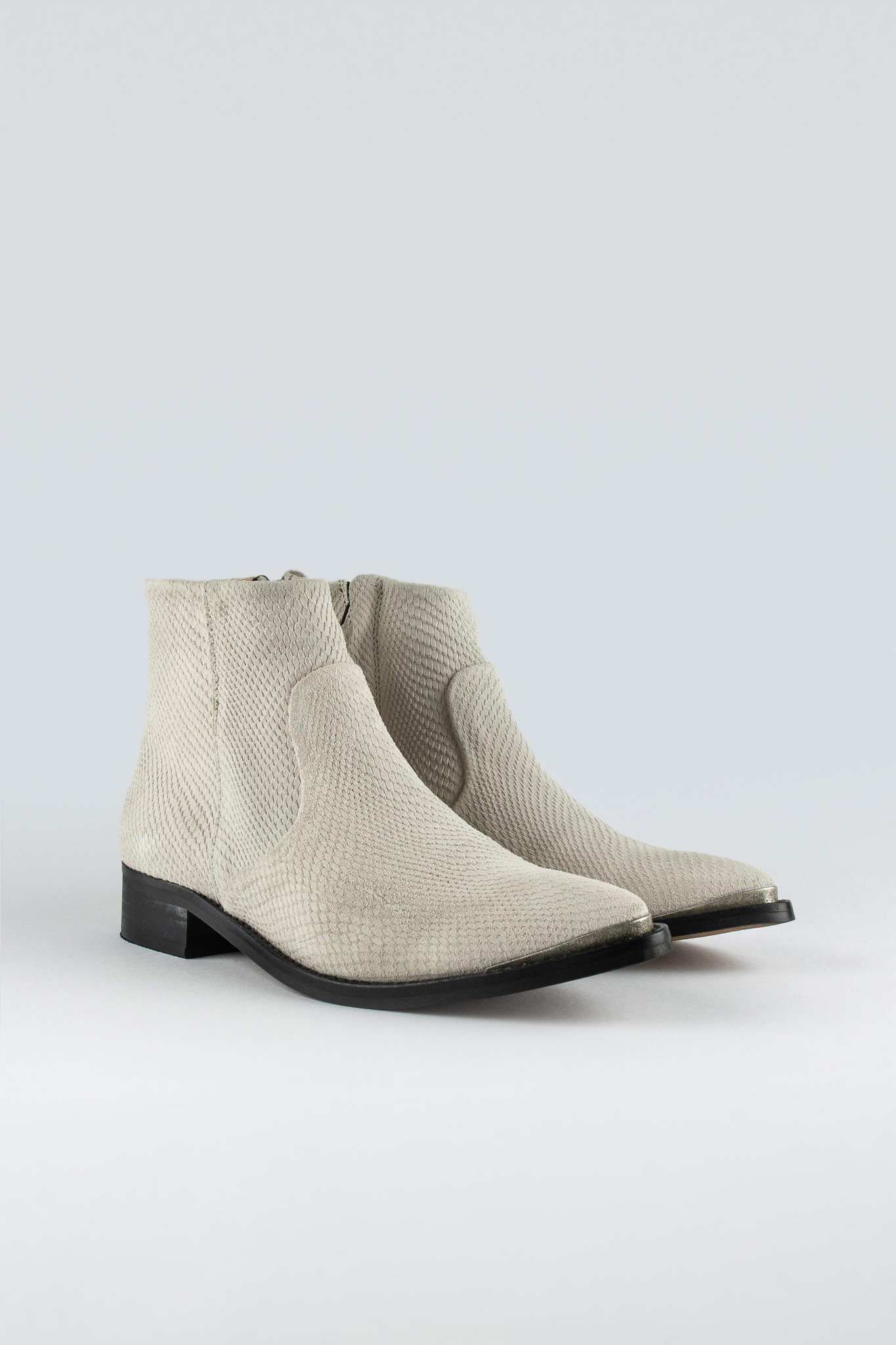 Electric W Suede White Snake
