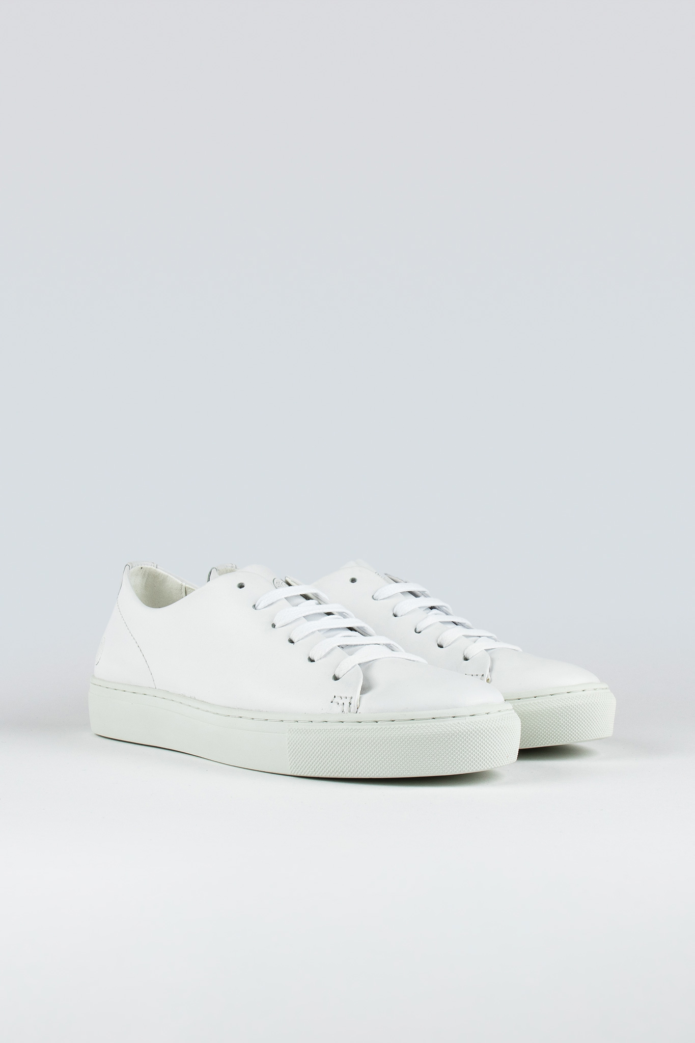 Jervis Low II W White