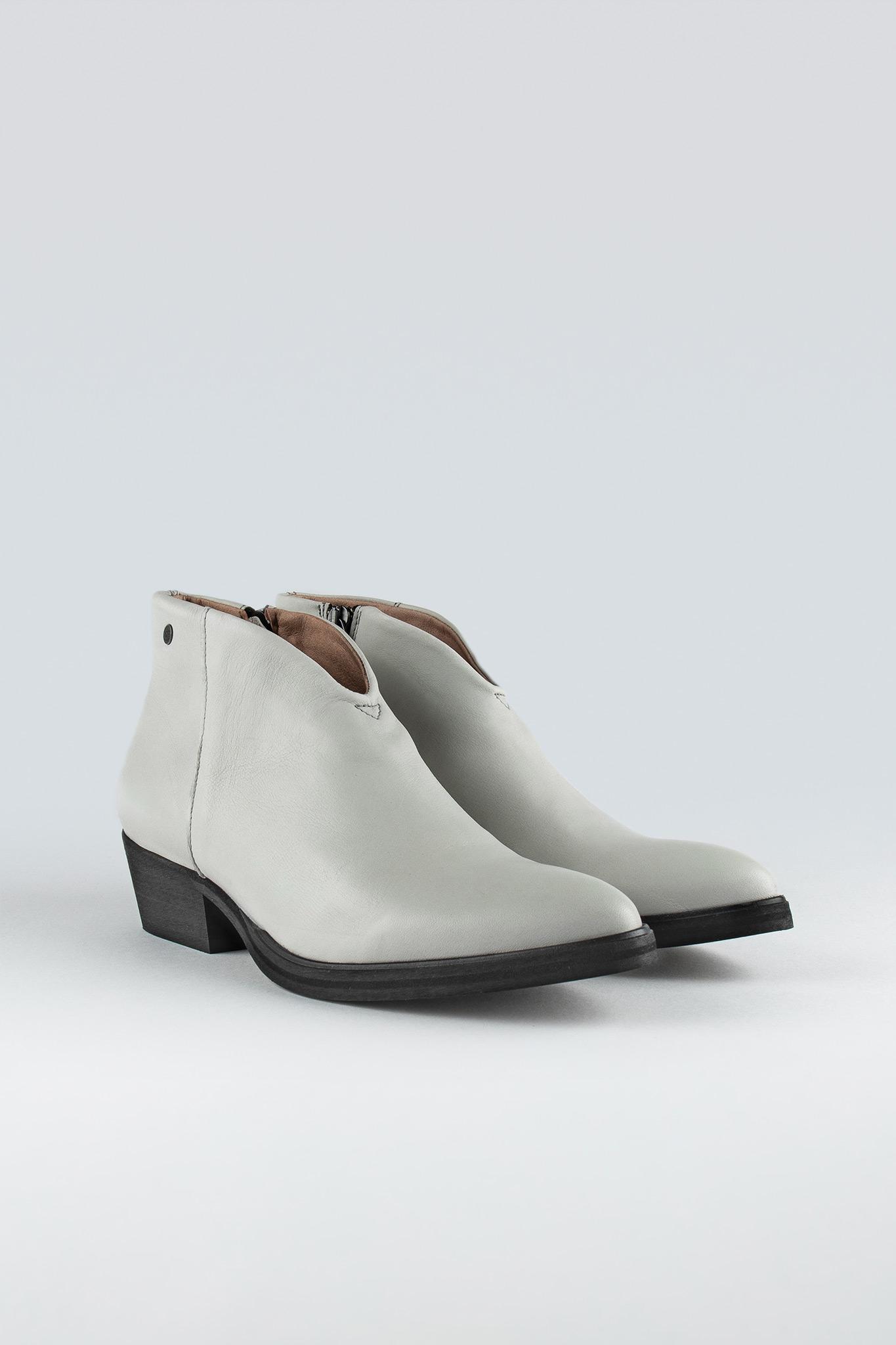 Whistler W White