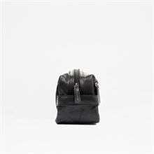 Adrian-AW19-toilet-bag-leather-black-side