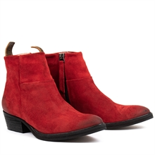 Dashed-heels-boots-suede-red-pair