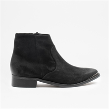 electric-aw19-black-suede-side