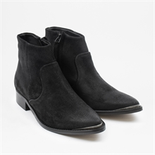 electric-aw19-black-suede